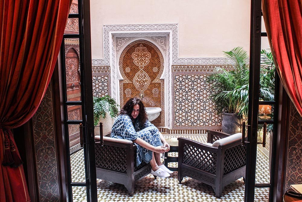 Want to be princess for a night? Look no further because the Royal Mansour, the ultimate luxury hotel, Marrakech has you covered - glass slippers, rooftop pool & gold snacks included!