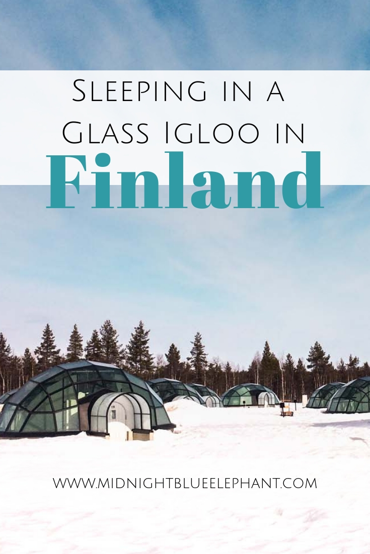 Want to watch Northern Lights in bed? Only at the glass igloo hotel in Finland! Tips & details for staying at the Arctic Circle & what to do during the day. #finland #arctic #northernlights Where to see the Northern Lights | Sleeping in a glass igloo | Glass igloo hotel Finland | Glass igloos at the Arctic Circle | Kakslauttanen glass igloo hotel