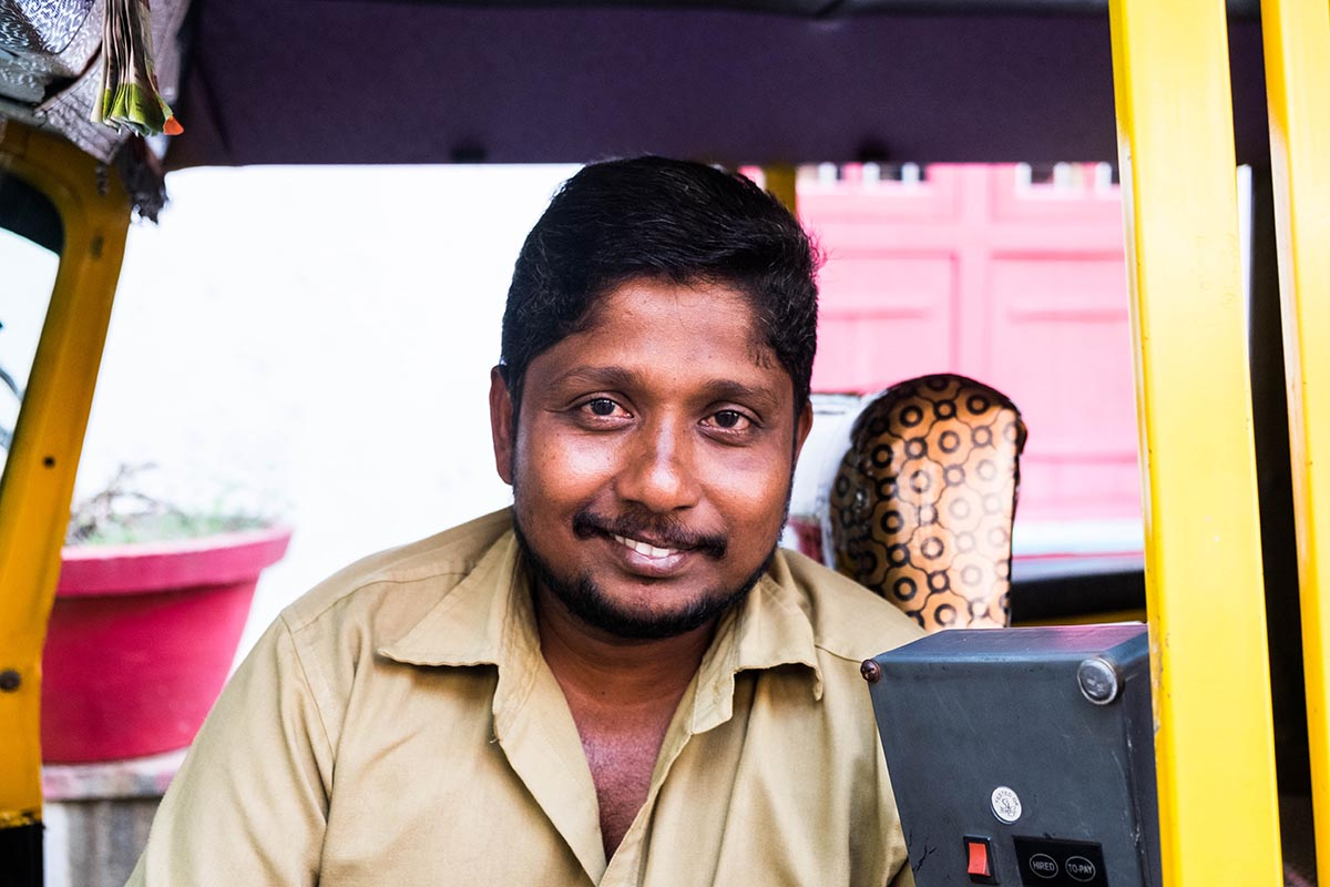 Too shy to take portraits when you are traveling? Me too! Until I went to Kerala and things turned around. Here my best tips for taking portraits.