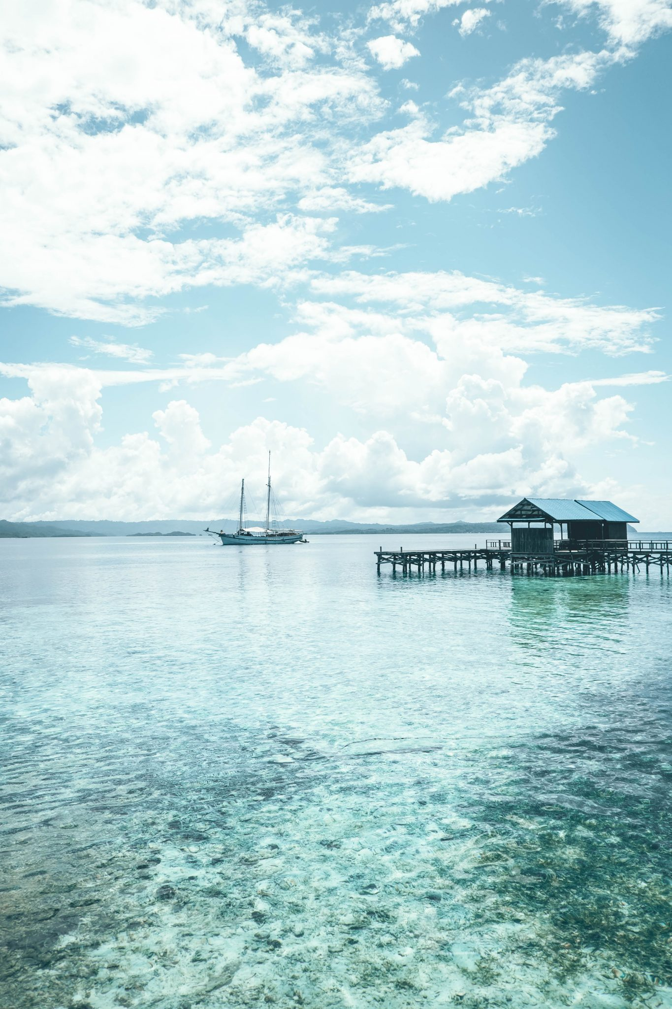 Keen to explore some of the best scuba diving in Indonesia? There is no better way than with a Raja Ampat liveaboard like the Emperor.