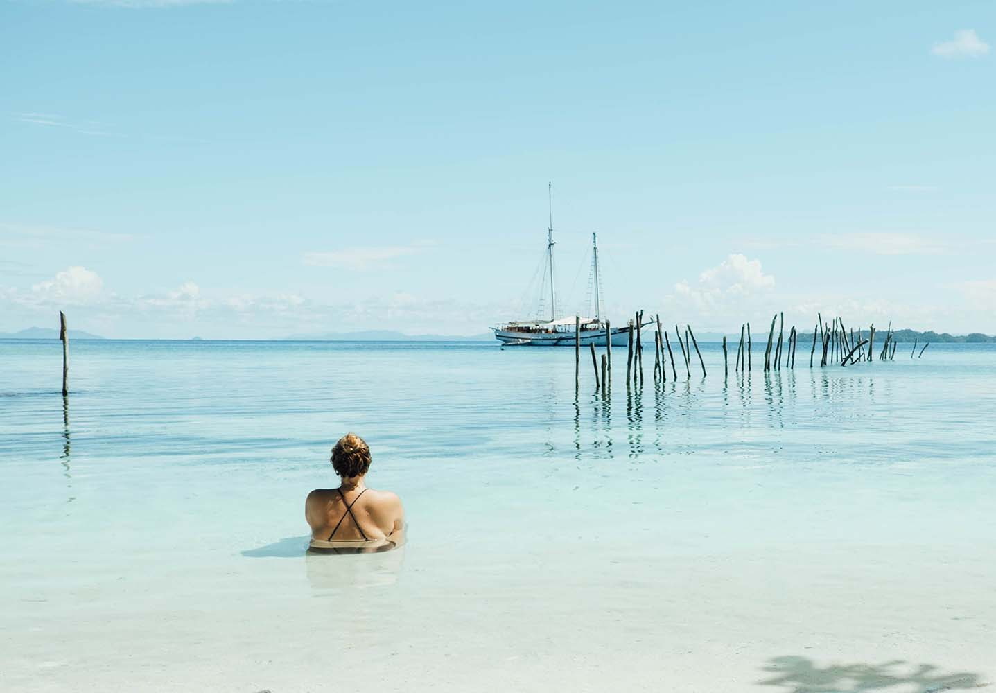 Heading scuba diving and not sure what to pack for a week sailing the Seven Seas? Check out my ultimate liveaboard packing list for mermaids.