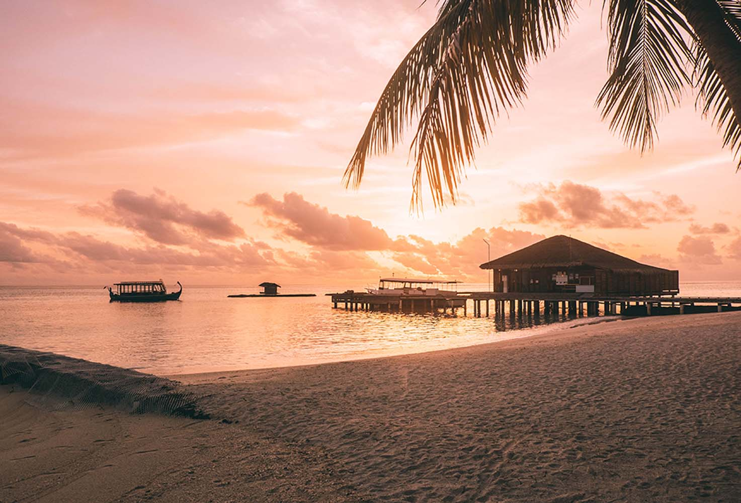Looking for the perfect Maldives accommodation? I compare my 6 favorite resorts + tips on how to get around & budget for the Maldives.