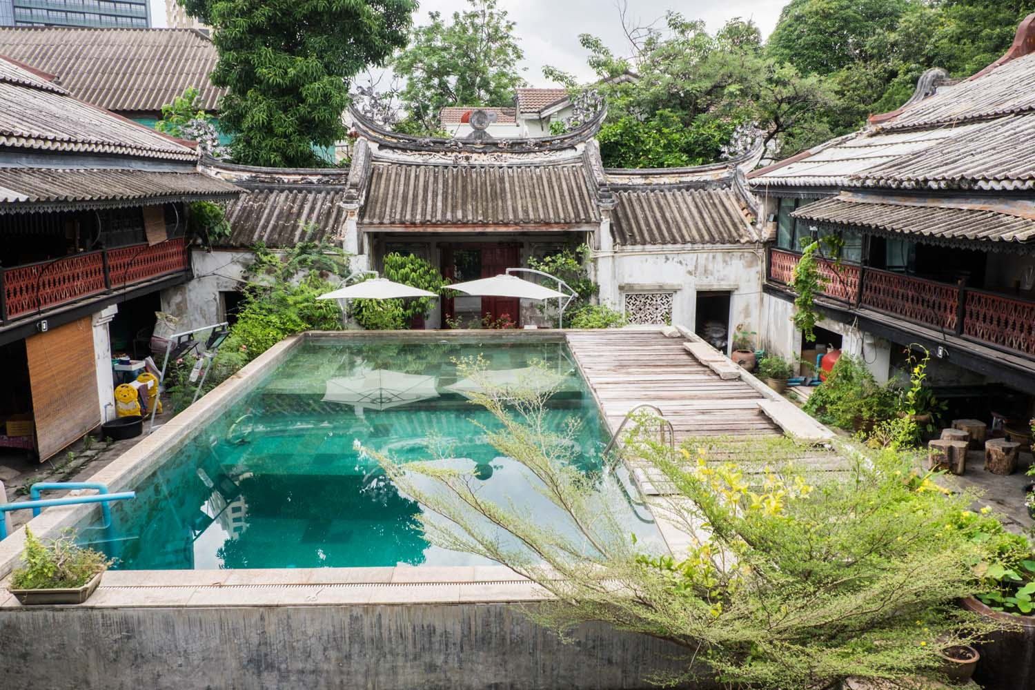 What to do in Chinatown, Bangkok - explore the old Talad Noi community, find great places to eat Chinese food & authentic guesthouses to stay.