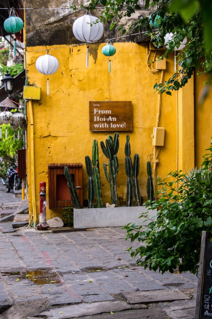 A Foodie's Guide to Hoi An,...